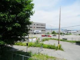 Au bord de la piste, le chantier naval fermé de la Davie ...