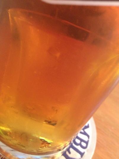 Un étranger, dans mon verre ...