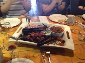 Saucisses, boudin, fèves, tablier de sapeur, bacon, etc ....