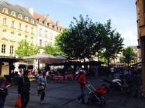 La place St Jacques et ses terrasses