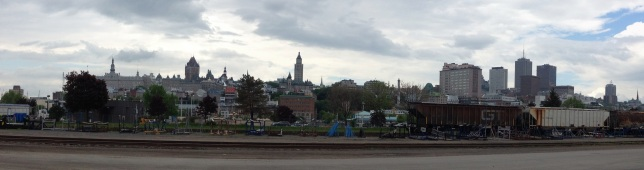 Vue sur Québec à partir de la zone portuaire